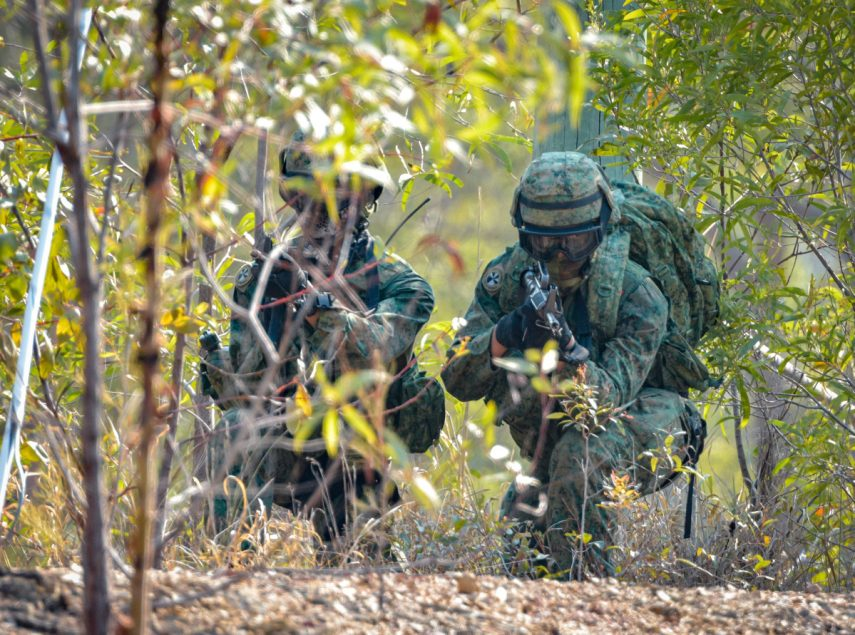 Singaporean-Army-members-approach-a-target-during-Exercise-Matilda-at-Gallipoli-Barracks-Brisbane.-855x0-c-default_2.jpg